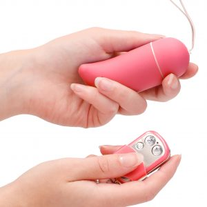10 Speed Remote Vibrating Egg BIG (Pink) in hand